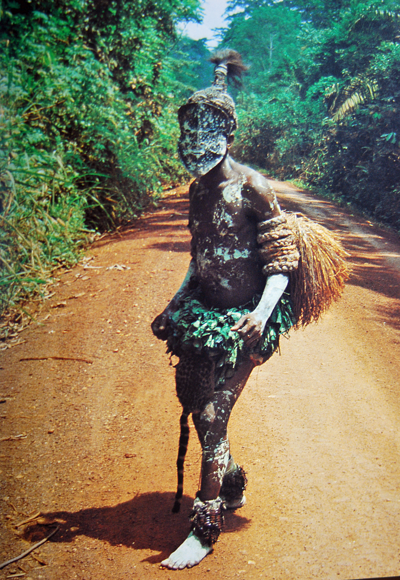 One of the most interesting countries I have evr passed is DR Congo, or Zaire, as it was called when I passed it on a push bike 1989. Not one boring day! I met this medicin man one day, which made my life kind of difficult with his magic bones.....
