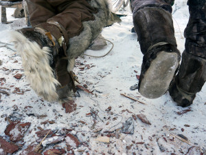 The difference between reindeer boots made for use in the taiga versus the tundra. We had for tundra, but needed the flat taiga one´s, soles made of moose, as to the right.